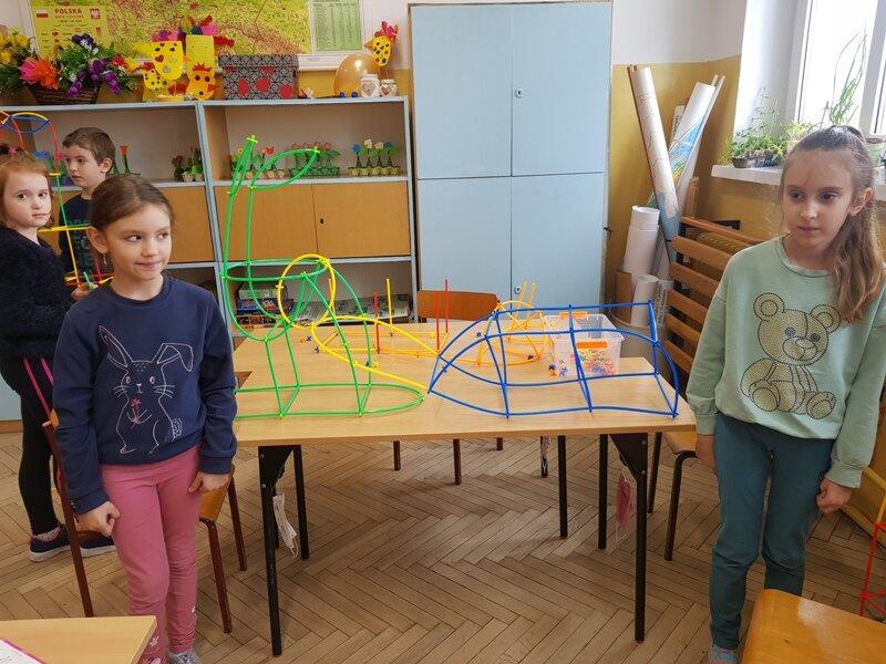 Dagmara i Lena renifer z saniami